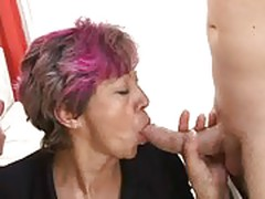 Mature granny learning gangbang sex