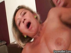 Hot mature babe in hardcore