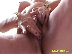 Mature slut pissing and sucking cock<br>