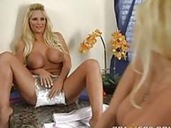 Krystal Steal, Phoenix Marie