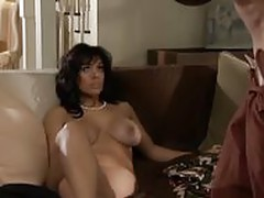 Brune milf fuck at home
