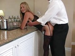 Hot Ass MILF Knows How To