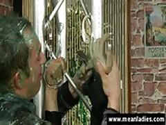 Painting bondage