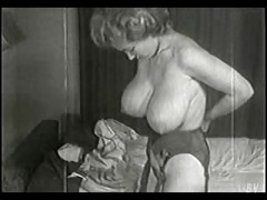BUSTY VINTAGE RETRO BABE VIRGINIA BELL
