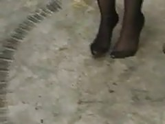 Brandi Pissing in blk pantyhose
