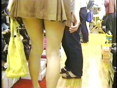 UPSKIRT, NO PANTY  SHOESTORE