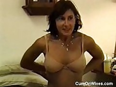 Slutty MILF gives head