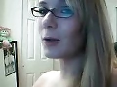 gf stripping and dancing on webcam
