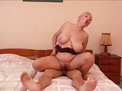 Russian Mature Lady Fucking With Boy On Bed