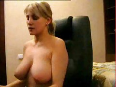 Sexy amateur mature mom webcam babe with big tits<br>