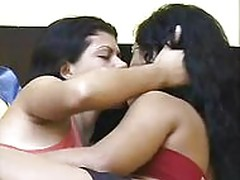 Tongue Fettish 07 Kissing Girls
