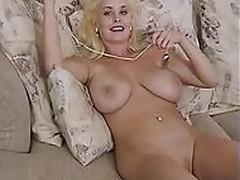 Busty Mariah Lynn Masturbating