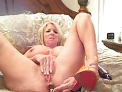 Cam MILF Toy DP