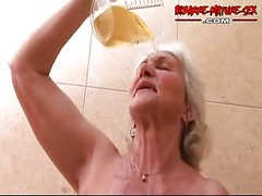 Granny loves to get fucked by two dudes<br>
