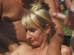 SpermAnneke Outdoor sex