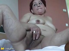 This horny mature mama just loves her vegetables<br>