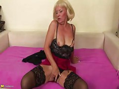 Kinky european mature slut playing with herself<br>