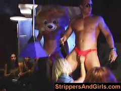 Girls go wild on male stripper party<br>