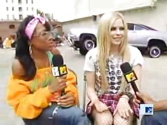 Avril Lavigne Fishnets Upskirt<br>