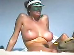 Amazing tits at the beach